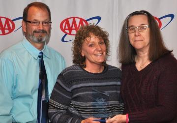 Jackie Leach Receives the Tim Larney Award